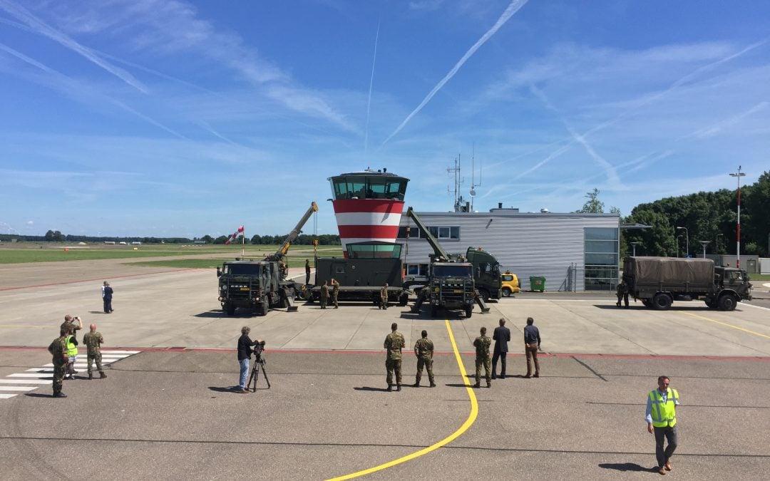 Defensie leent mobiele verkeerstoren uit aan Lelystad Airport