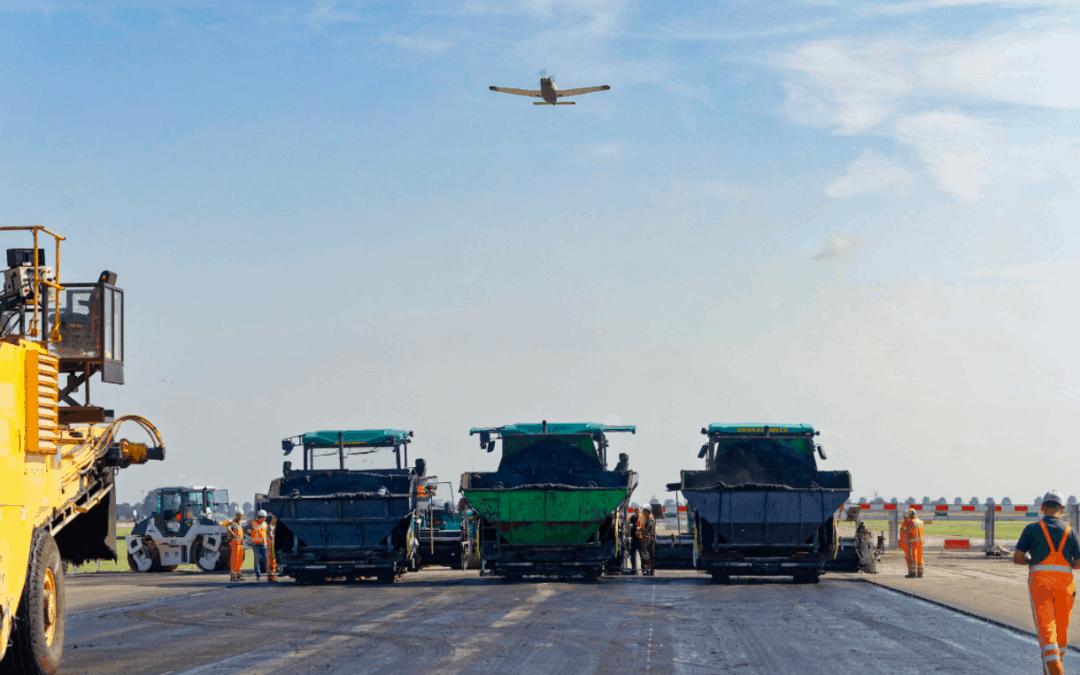 Oplevering start- en landingsbaan