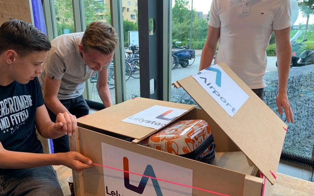 Jongeren zetten hun tanden in vraagstukken rond Lelystad Airport